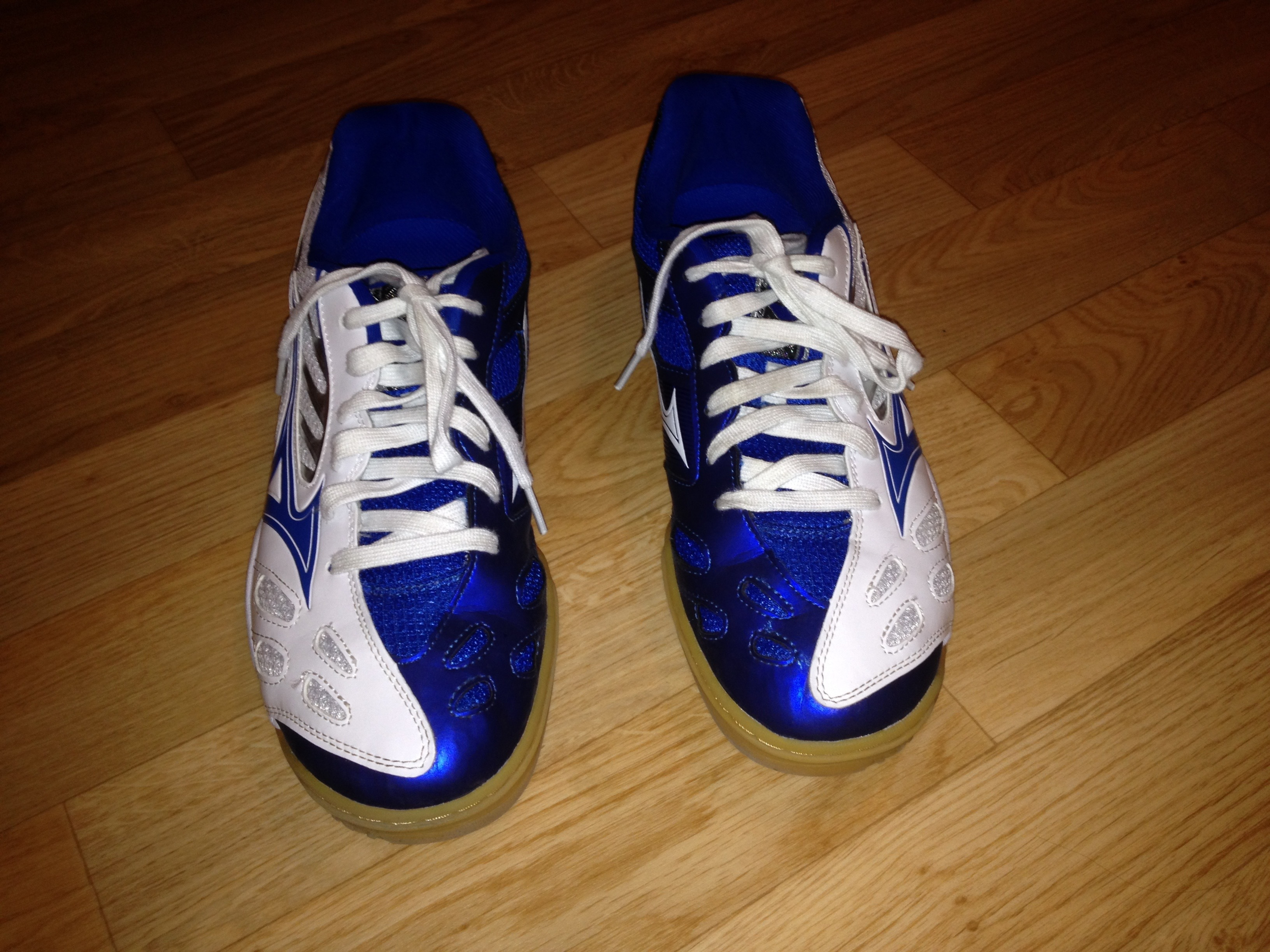5 Taille Ventes 42 gt; Wave 4 44 Euros Mizuno Chaussures Medal pYqU4I